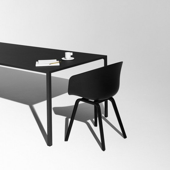 hay new order tafel misterdesign. Black Bedroom Furniture Sets. Home Design Ideas
