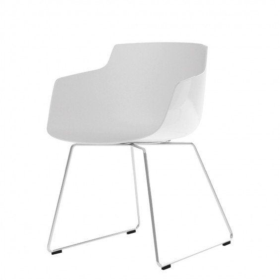 Trendy mdf italia flow slim chair slede onderstel with hay for Hay about a chair replica